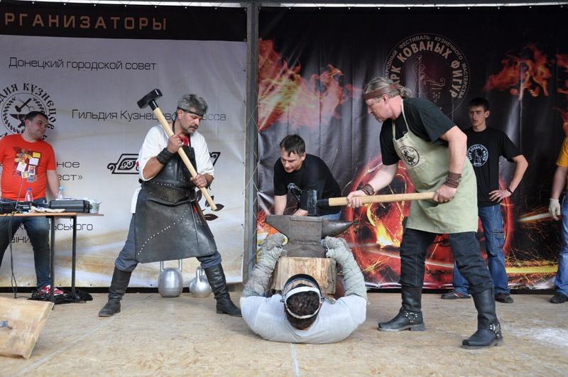 Выступление Дмитрия Халаджи на 12 кузнечном фестивале