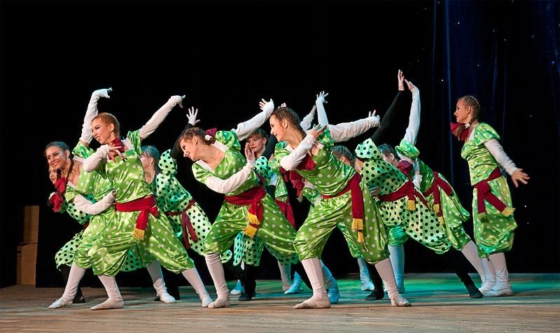 «Бiля дубу» - хореографический коллектив «Баттерфляй» (г. Родинское)