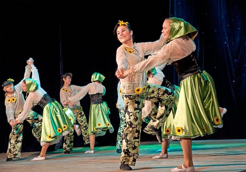 «Кадриль» - танцевальный коллектив «Горизонт» (г. Белозерское)