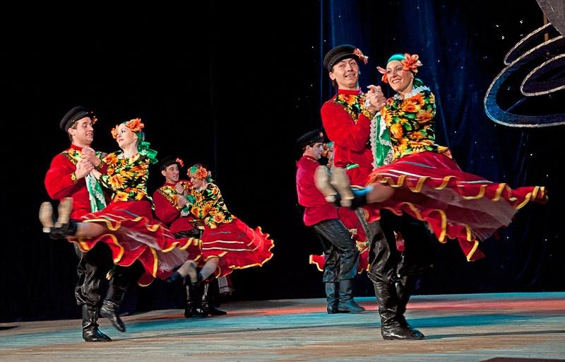 «Привiтальний козачок» - Образцовый ансамбль танца «Улыбка» (г. Белозерское)