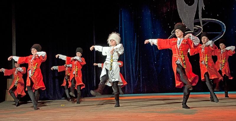 Грузинский танец «Кабардинка» - Образцовый ансамбль танца «Радость» (г. Белозерское)