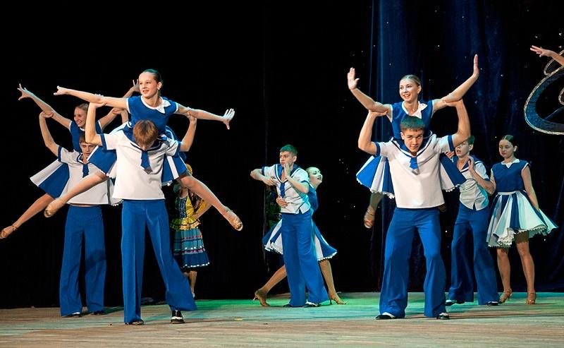 «Веселые ребята» - Образцовый ансамбль бального танца «Эдельвейс» (г. Красноармейск)