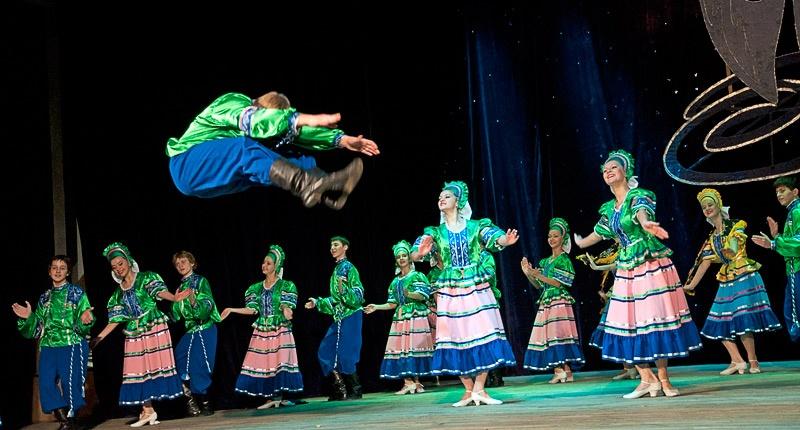 «Деревенские гуляния» - Образцовый ансамбль танца «Улыбка» (г. Белозерское)