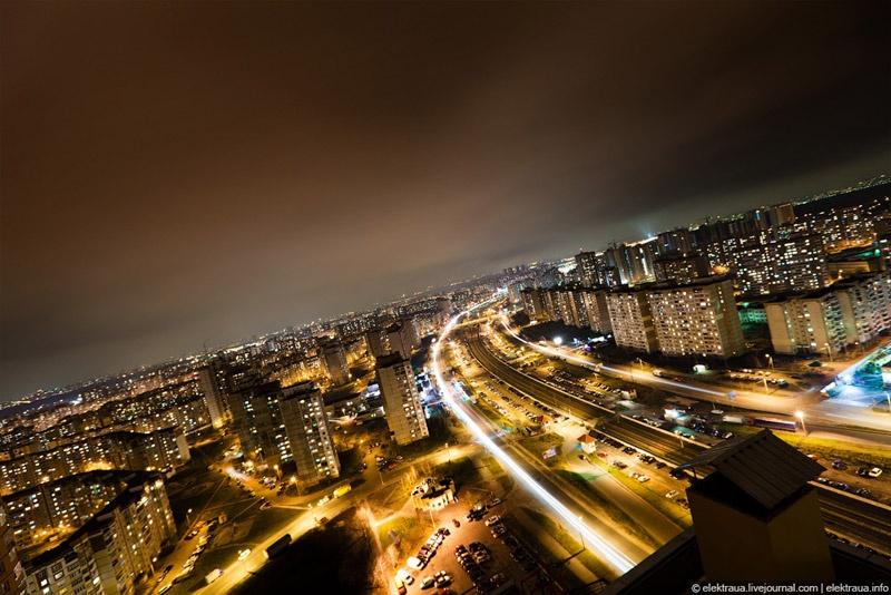 Жизнь дала Троещину. Фото Олег Стельмах.