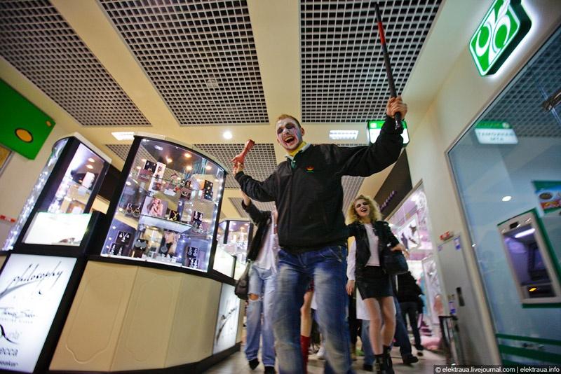 Как в Киеве гуляли на Хэллоуин. Фото О.Стельмах.