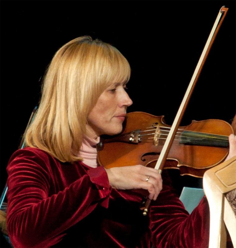 Солистка оркестра Наталья Ляшенко