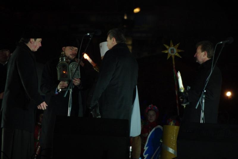 В.Янукович. Новорічна ялинка у Києві