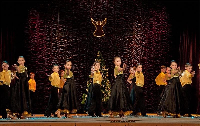 «Хорошее настроение» - хореографическая композиция в исполнении Образцового бального танца «Эдельвейс»