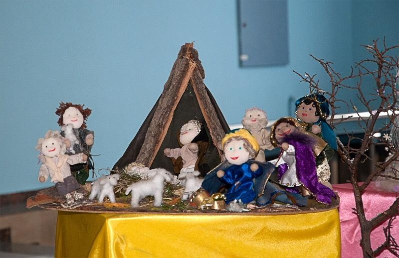 Выставка детского творчества в фойе Дворца культуры