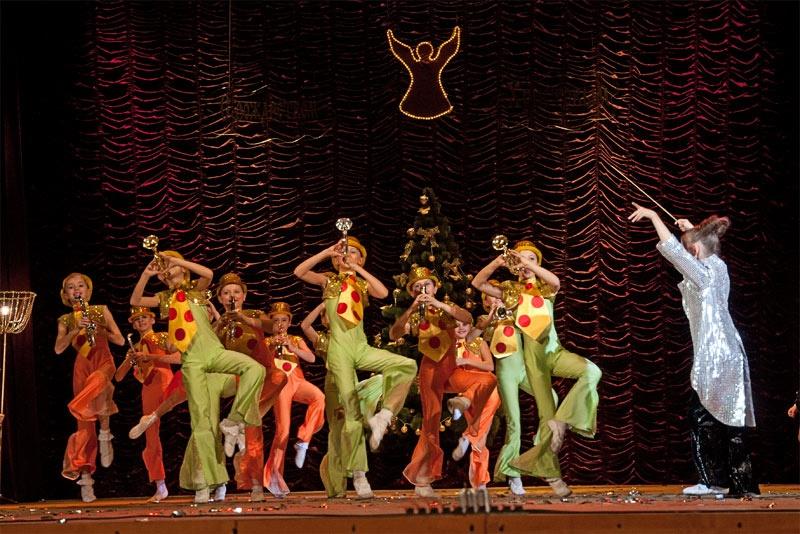 «Веселый оркестр» - хореографическая композиция в исполнении Детского Образцового хореографического ансамбля «Отрадушка»