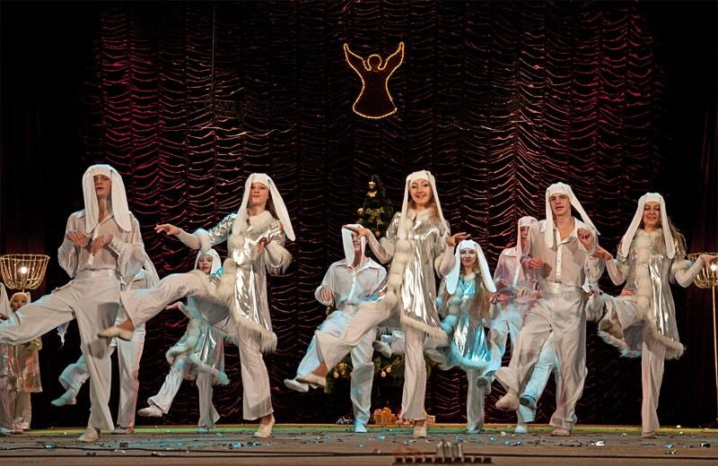 «Дружная семейка» - хореографическая композиция в исполнении Образцового ансамбля бального танца «Эдельвейс»