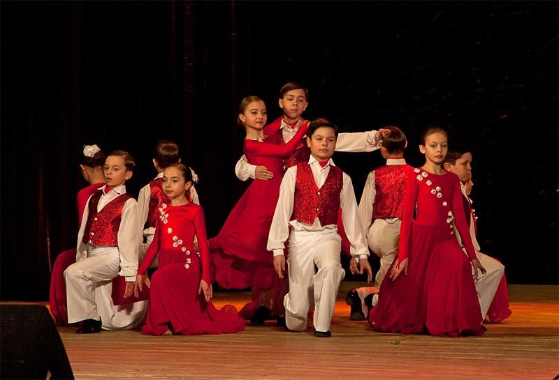 «Вальс» - образцовый ансамбль бального танца «Эдельвейс»