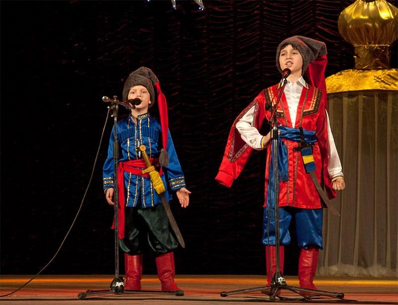 «Ми з тобою козаки» - дуэт «Казачата»