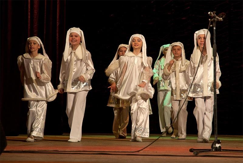 «Дружная семейка» - образцовый ансамбль бального танца «Эдельвейс»