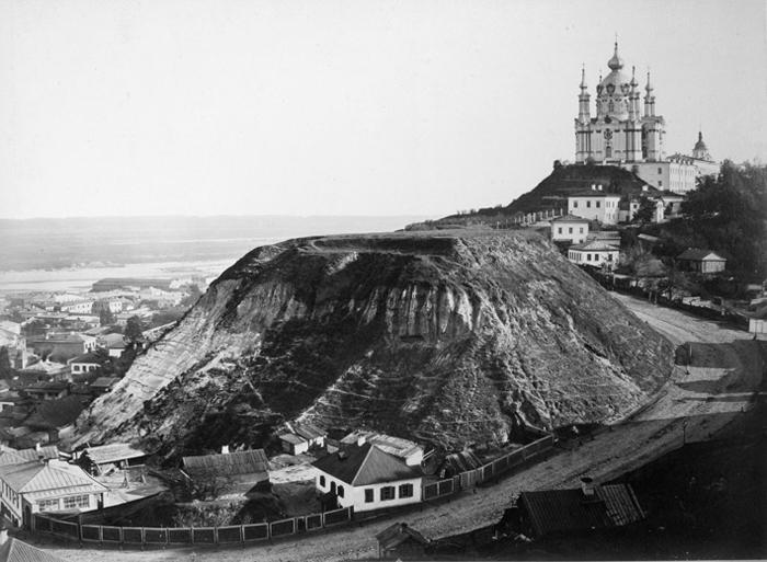 Андреевский спуск и Андреевская церковь. 60-е годы XIX века.