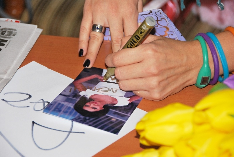 Пресс-конференция с певицей Ёлкой в г.Донецке