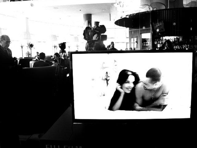 """""""Любовь в формате 3D"""" - первая в Украине выставка фотографий в формате 3D"""