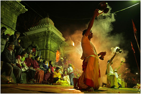 Праздник полнолуния в храме Пашупатинат. Катманду. Непал. 2008 год