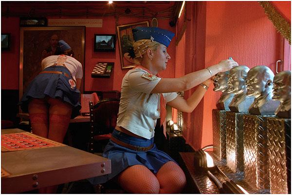 """Сергей Максимишин. Ресторан """"Зов Ильича"""". Санкт-Петербург. 2003 год"""