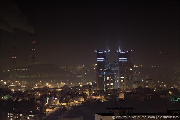 """Ночной Киев. ЖК """"Триумф"""". Фото Олег Стельмах"""