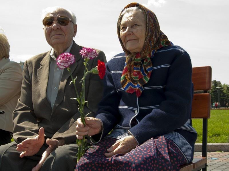 """День победы 9 мая 2011 года. Мемориальный комплекс """"Освободителям Донбасса"""""""