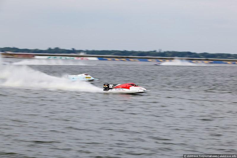 """""""Формула-1"""" на воде в Вышгороде. Фото Олег Стельмах"""
