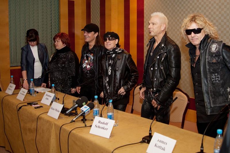 Scorpions в Донецке. Аэропорт. Пресс-конференция. Фото А. Бурдов