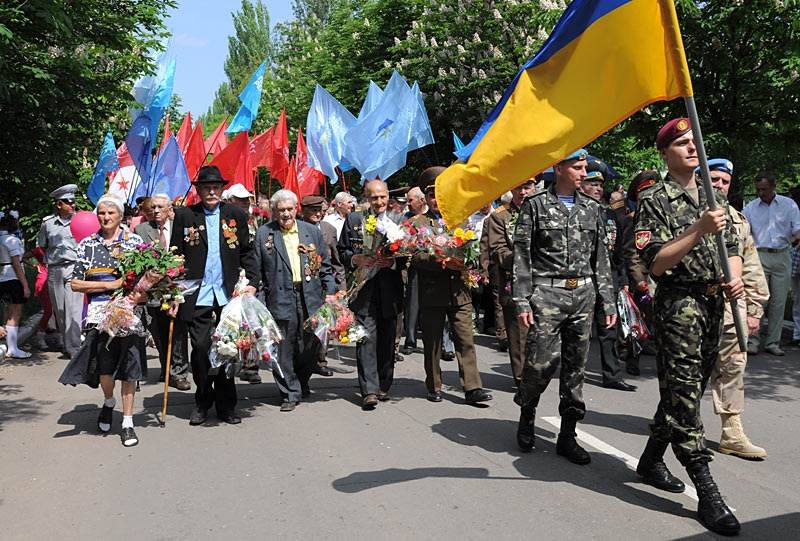 Праздничный парад ко Дню Победы. Красноармейск