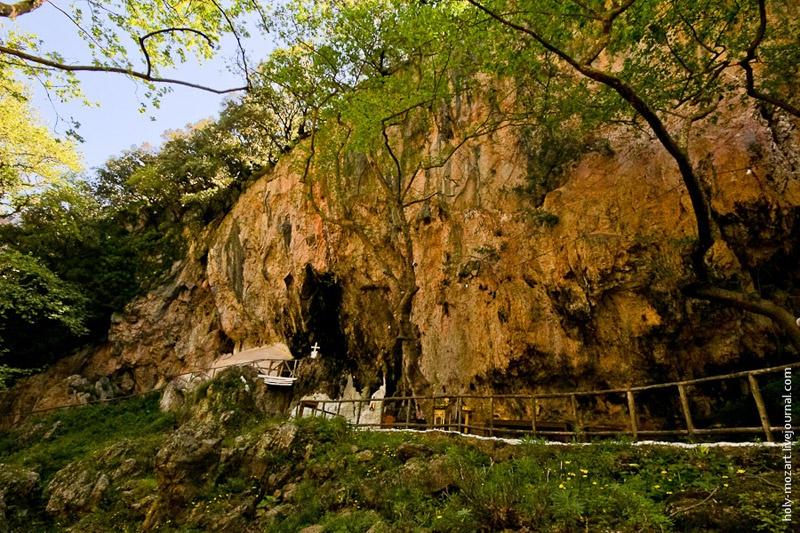 Пещера святого Антония