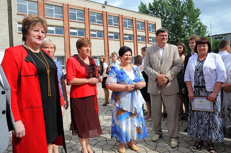 Последний звонок в школах Красноармейска