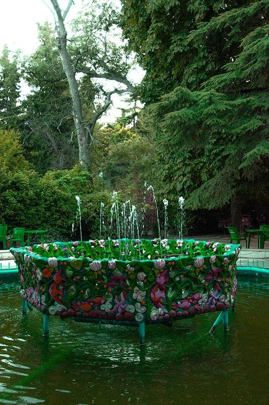 фонтан с цветами
