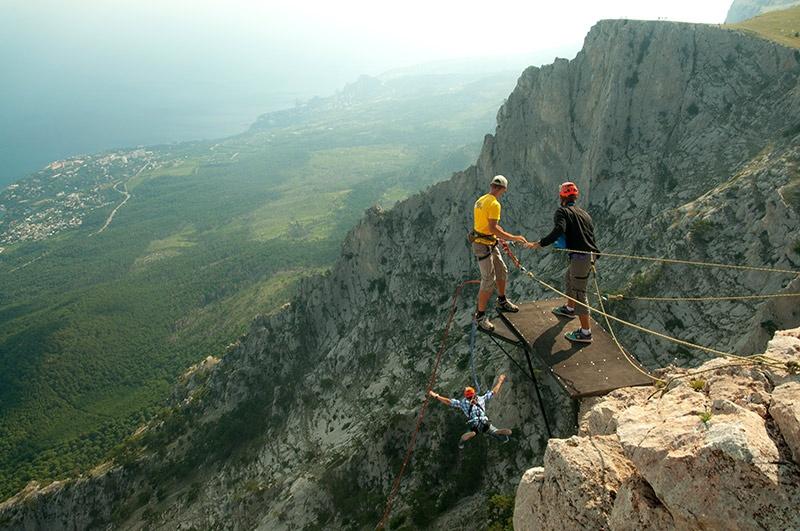 прыжки с горы Ай-Петри