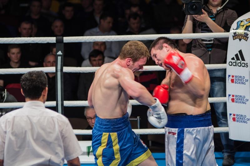 На ринге в Донецке Украинские атаманы и Команда России