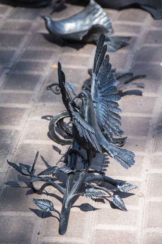 кованый голубь