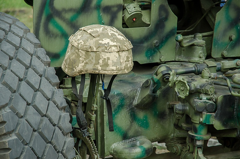 Выставка военной техники и вооружения в Покровске